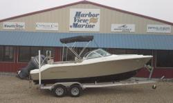 2015 Nautic Star 2000 XS DC with a very low hour Yamaha 200 XB 4-stroke !!! Below 10 hours!!! Platinum hull sides with a black hull bottom, Sea Star Hydraulic steering, Stainless prop, Dual batteries with switch, Lowrance 7 HDS color GPS/FF, under water