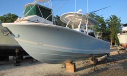 Just reduced, Great Fall Buy! Better than new! Check out the added options and the incrediable Garmin Electronics Package on this 2015 28 Regulator. 22.5 Hours!!!! 22.5 Hours!!!! 22.5 Hours!!!!, did we mention it has 22.5 Hours ? Nominal Length: 28'