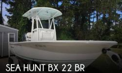 Actual Location: Palatka, FL - Stock #092945 - Only 16hrs! Excellent Condition!This 2015 Sea Hunt BX 22 BR is powered by a 200hp Yamaha (four-stroke) OB. It comes equipped with a Garmin 741XS, Infinity Stereo System, anchor locker, ample bow storage, fish
