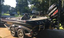2016 520C Mercury 250 280 Hrs Warranty Period: 01/10/2016 - 01/10/2019 on your motor Lowrance Hds9 (4) Atlas Hyd Jackplate Hyd Wave Hot Foot 25 Fury Powerpoles (2) Driven to dominate, the Z520c is among the most advanced designs in our entire history.