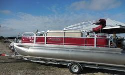 Xcursion X20F 2016 Xcursion X20F Pontoon Boat is 20 feet in length. Some of the many features include 25 Inch Pontoon Tubes, Tropical Weave Flooring on the Deck, Bimini Top, Sony Stereo Radio System, Tilt Steering Wheel, Full Mooring Cover, Hummingbird