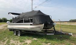 Just in is this beautiful 18 foot pontoon boat from Harris. This boat shows as if it was brand new, and always has been pampered. Not only is this one of the only 18' pontoon boats that has 25' logs it also is one of the only boats that is a full 8'6'
