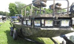 Price includes a Mercury 90ELPTEFI 4-stroke, (with factory warranty until 07/15/2019) Karavan trailer with swing tongue, spray in floor liner, electric anchor, leaning post, Lights, sponson pods, standard platform, Lowrance Hook 5, Minnkota 70lb Edge, two