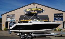 2017 Robalo 227 You'll enjoy the added seating capacity and legroom possible with the optional aft facing seat. Snap-in carpet is also optional. Position the optional aft seat out of the way for complete transom access. Add in richly padded coaming panels