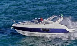 The Schaefer 303 is a spacious boat with room for 10 people during the day and 4 overnight passengers. It is perfect for short or long rides. The smallest boat currently manufactured in the Schaefer line, it is also the most successful with over 1,600