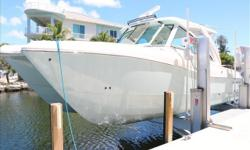This is a lightly used 320DC World Cat that is loaded with options and accessories. World Car flagship model offers amazing versatility for the entire family. This vessel is spotless and her options list includes aqua mist full hull color, strata glass