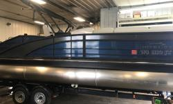 Virtually a brand new boat with only 25 hours on Mercury 400R. This boat flies and has upgraded stereo with Roswell speakers. Trailer not included but can be added for an additional charge. Trades Considered. General Options BOW FILLER CUSHION CERTIFIED