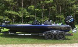 One Owner. HELIX 12, Helix 9, HDS 9 with SS, Atlas Hydraulic Jack Plate, Bass Boat Tech Mounts, 74 Hours. Full factory Warranty. Consignment Boat. Nominal Length: 20.2' Length Overall: 20' Engine(s): Fuel Type: Other Engine Type: Outboard Beam: 8 ft. 0