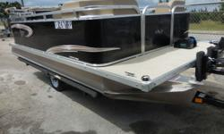 2018 PADDLE KING LO PRO 2018 PADDLE KING IS A GREAT 15' PONTOON TO CRUISE OR FISH THE LAKES STILL UNDER WARRANTY Beam: 8 ft. 6 in. Hull color: BLACK Stock number: CON5B818