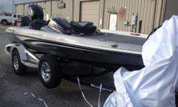 INCLUDES Z PACK, DUAL PRO CHARGER, MERCURY 150L 4S, KEEL GUARD, AERATION SYSTEM WITH PUMPOUT, REMOTE DRAIN PLUG OPTION, FOOT THROTTLE, TILT HYDRAULIC STEERING, TRIM LEVER CONTROL, MINNKOTA FORTREX 80LB 24 VOLT TROLLING MOTOR, TRANSOM SAVER/GUARDIAN