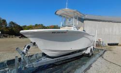 2018 Sea Fox 226 Commander-White Pearl Like all Sea Fox models the 226 Commander is designed to exceed the needs of the most demanding Captain, as well as accommodate his family. As Fisherman and boating enthusiasts we believe it is important to provide
