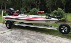 1998 RANGER R80 SPORT BASS BOATMERCURY 175 EFICUSTOM 2007 ALUMINUM TRAILEREXTREMELY LOW HOURS!!!ADULT OWNED AND OPERATEDGARAGE KEPT UNDER CUSTOM RANGER TRAIL COVERUSED ON 125 ACRE SPRING FED LAKE IN GREEN COVE SPRINGS FLORIDAJUST SERVICED BY LOCAL MERCURY