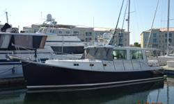 Full Circle is a 2006 37' Campbell Duffy custom downeast style cruiser in very nice condition, partly due to an extensive refit in 2016. Her sellers invested heavily in their boat, but now their cruising plans have changed. She offers a single