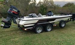2002 Yamaha Outboard 225HP 3.1L VMax EFI OX66 V6 (3130cc), 2-stroke with less than 400 hours on it. 27 Pitch Stainless steel prop. Sea star hydraulic steering.