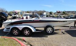 1997 RANGER BOATS COMANCHE 519 SVS1997 MERCURY EFI 200 HP FUEL INJECTED ENGINENEW FACTORY POWERHEAD IN 2006MARINE MECHANIC OWNED MECHANICALLY ABSOLUTELY IN GREAT CONDITIONHIGH PERFORMANCE COWL AND MID-SECTIONKEEL GUARD36 VOLT TROLLING MOTORNEW