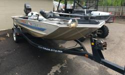 1994 Bass tracker aluminum fishing boat with 40 hp mariner outboard engine. This boat is in good condition and the motor has just been serviced. This boat can have you out on the water fishing today.