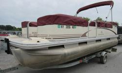 2005 Bennington 207L Clean Boat /W Seat Covers . Winter price discounted already .