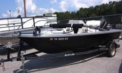 Head to the your favorite fishing spot in this pre-owned 1994 Sea Dancer 18C! This Sea Dancer is eager to back on the water and it's priced to sell! Stock Number-G3090A All boat prices exclude freight, prep, options, tax, title, and dealer make ready.